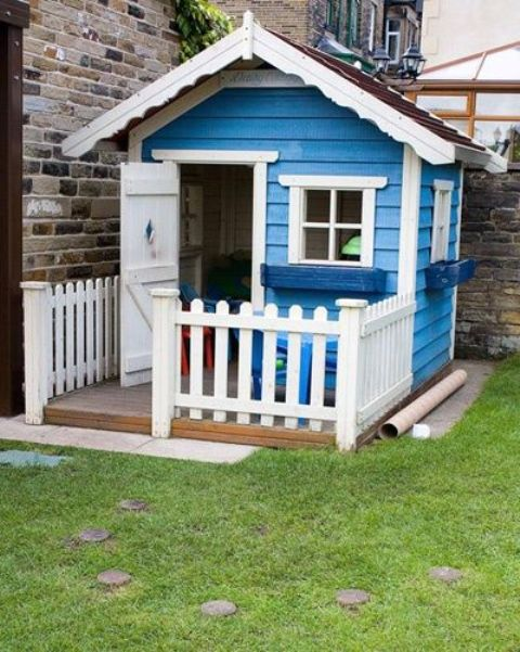 awesome-outdoor-kids-playhouses-to-build-this-summer-30