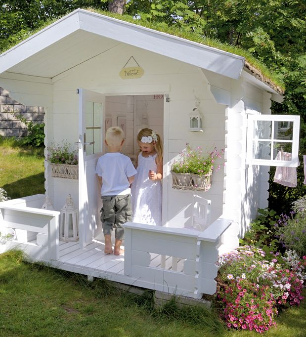 awesome-outdoor-kids-playhouses-to-build-this-summer-6