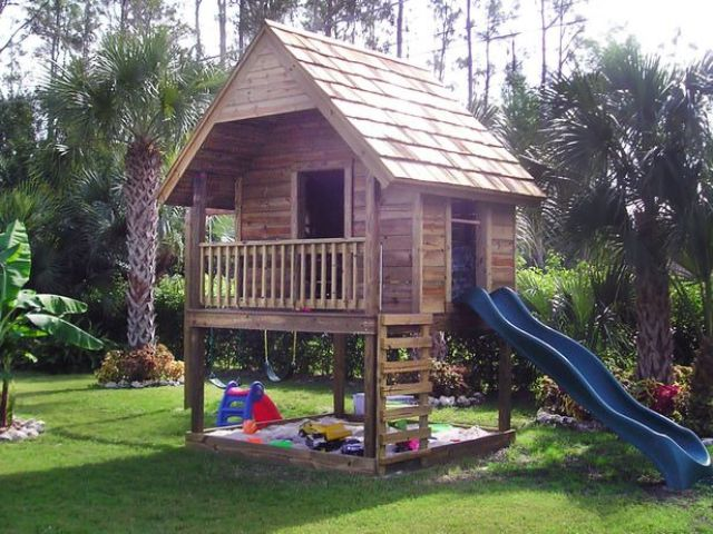 awesome-outdoor-kids-playhouses-to-build-this-summer-8