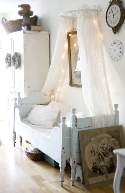 beautiful-and-cute-shabby-chic-kids-rooms-10