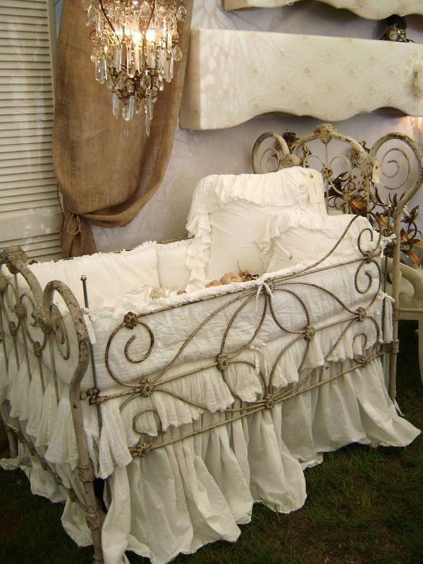 beautiful-and-cute-shabby-chic-kids-rooms-31