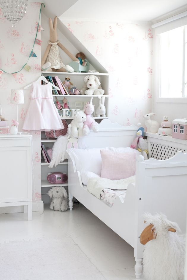 beautiful-and-cute-shabby-chic-kids-rooms-33