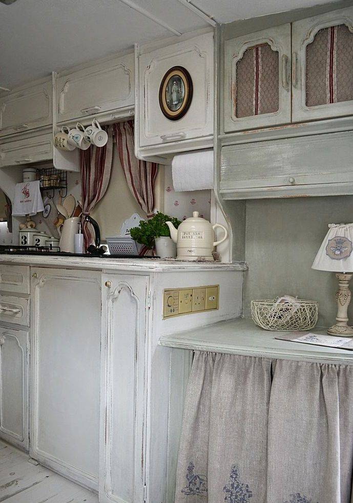charming-shabby-chic-kitchens-that-youll-never-want-to-leave-31