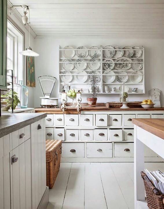 charming-shabby-chic-kitchens-that-youll-never-want-to-leave-36