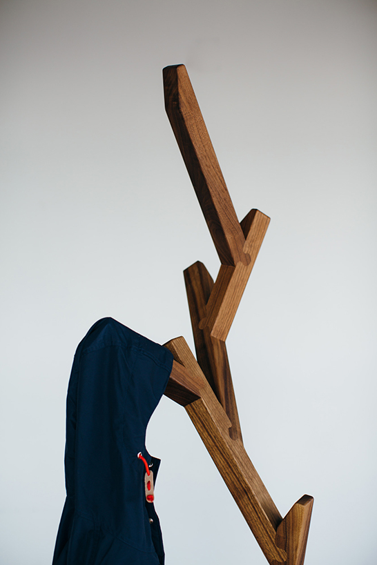 creative-and-eco-friendly-arbor-coat-stand-3