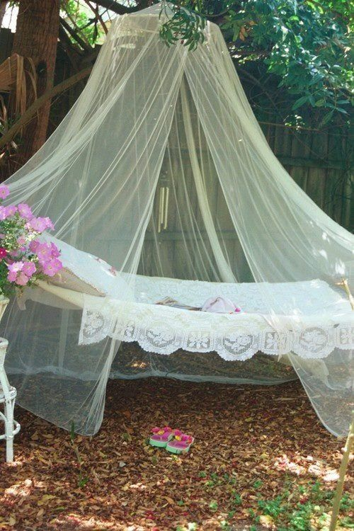 cute-and-practical-mosquito-net-ideas-for-outdoors-3