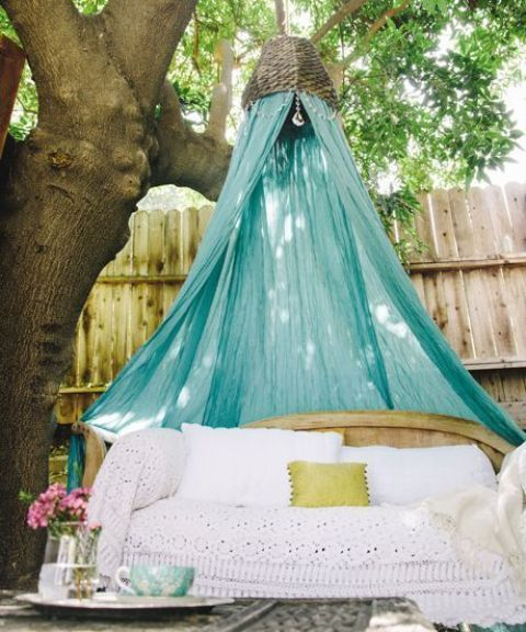 cute-and-practical-mosquito-net-ideas-for-outdoors-30