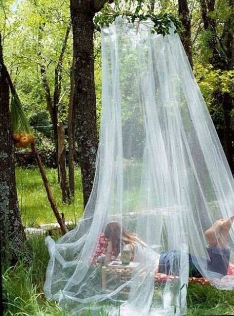 cute-and-practical-mosquito-net-ideas-for-outdoors-31