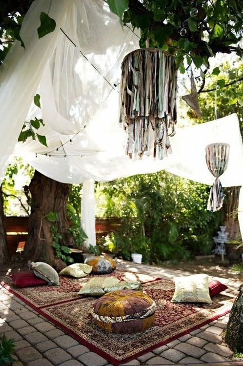 cute-and-practical-mosquito-net-ideas-for-outdoors-35