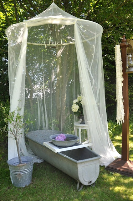 cute-and-practical-mosquito-net-ideas-for-outdoors-8