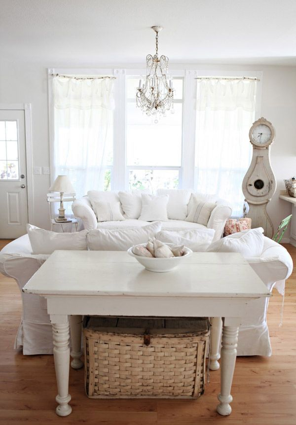 enchanted-shabby-chic-living-room-designs-11