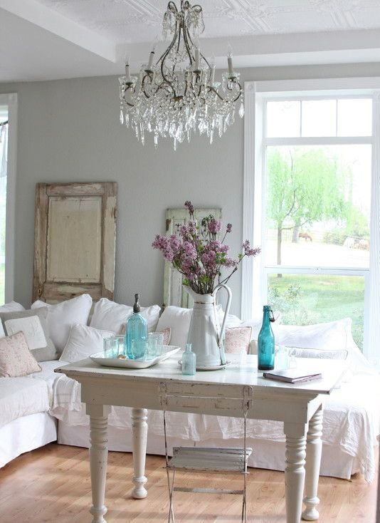 enchanted-shabby-chic-living-room-designs-14