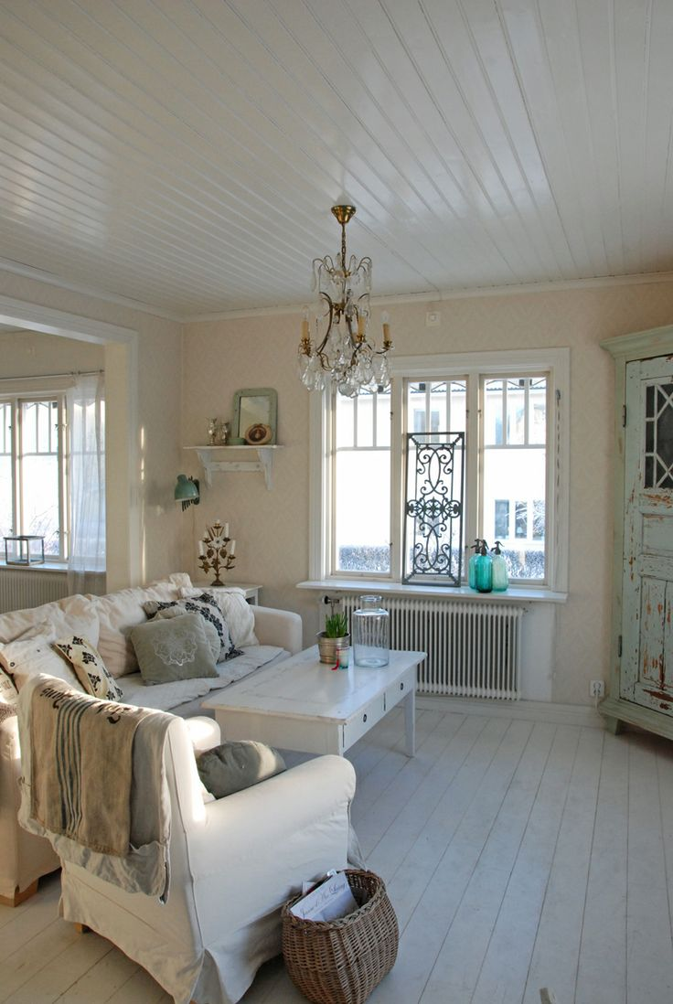 enchanted-shabby-chic-living-room-designs-23