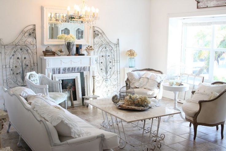 enchanted-shabby-chic-living-room-designs-26