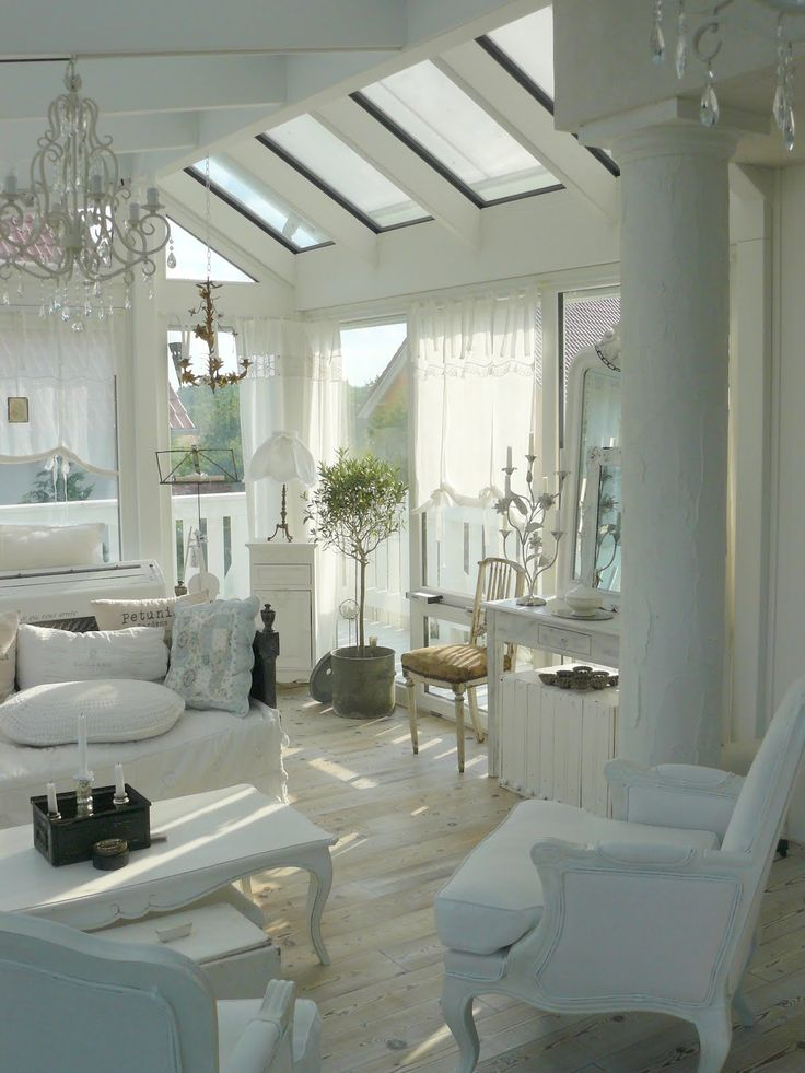 enchanted-shabby-chic-living-room-designs-27