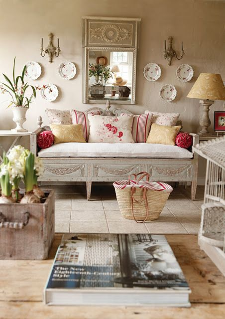 enchanted-shabby-chic-living-room-designs-30