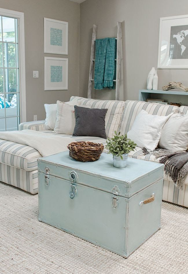 enchanted-shabby-chic-living-room-designs-4