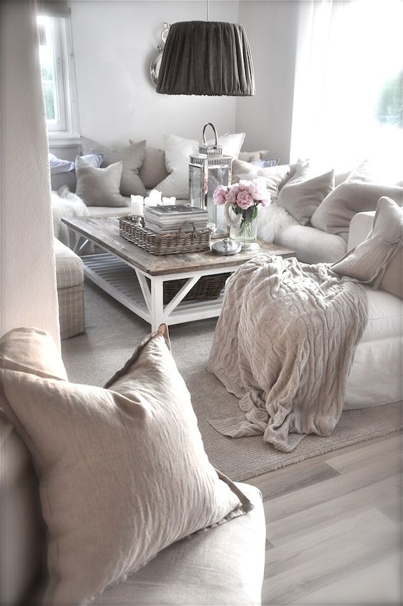enchanted-shabby-chic-living-room-designs-7