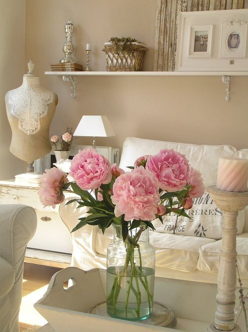 enchanted-shabby-chic-living-room-designs-8