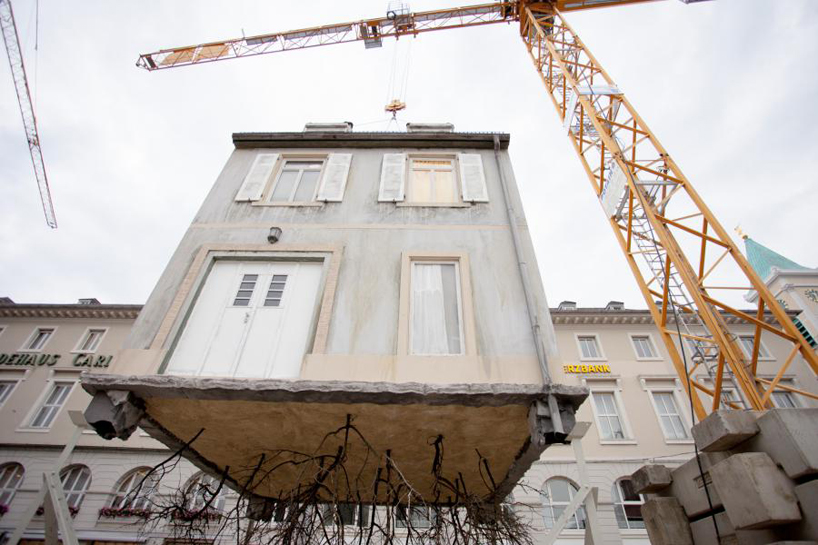 leandro-erlich-pulled-by-the-roots-karlsruhe-designboom-04