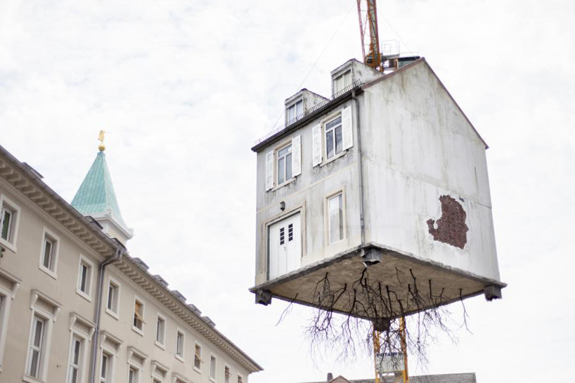 leandro-erlich-pulled-by-the-roots-karlsruhe-designboom-05