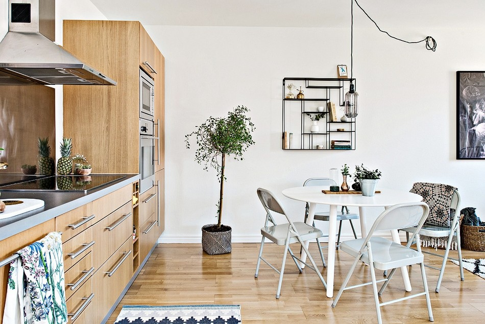 tiny-scandinavian-apartment-with-a-smart-space-saving-design-8