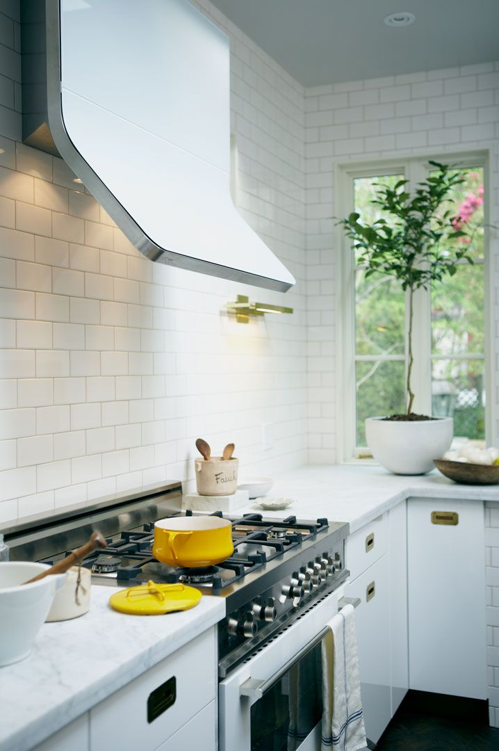 cool-vent-hoods-to-accentuate-your-kitchen-design-10