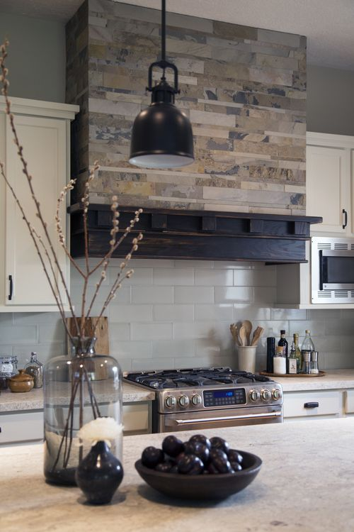 cool-vent-hoods-to-accentuate-your-kitchen-design-2