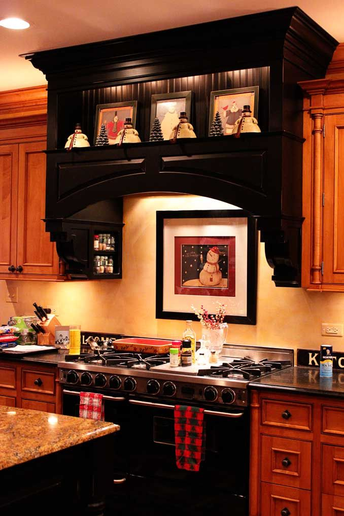 cool-vent-hoods-to-accentuate-your-kitchen-design-25