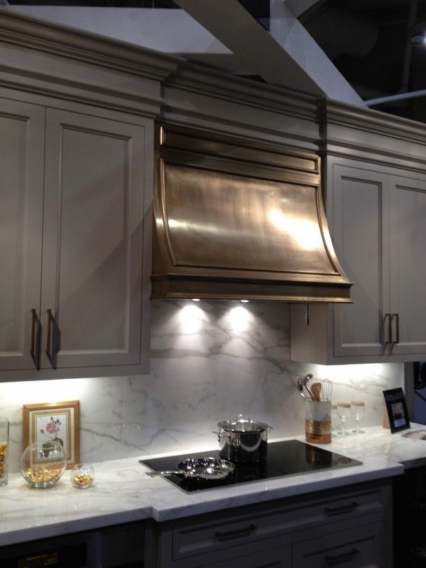 cool-vent-hoods-to-accentuate-your-kitchen-design-46
