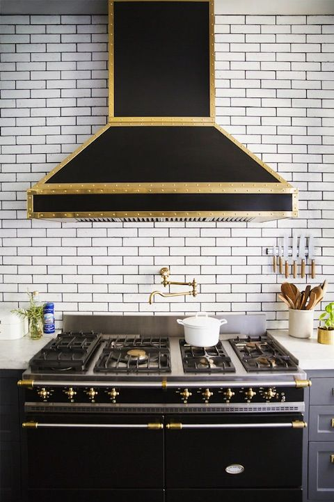 cool-vent-hoods-to-accentuate-your-kitchen-design-49