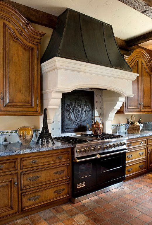 cool-vent-hoods-to-accentuate-your-kitchen-design-50