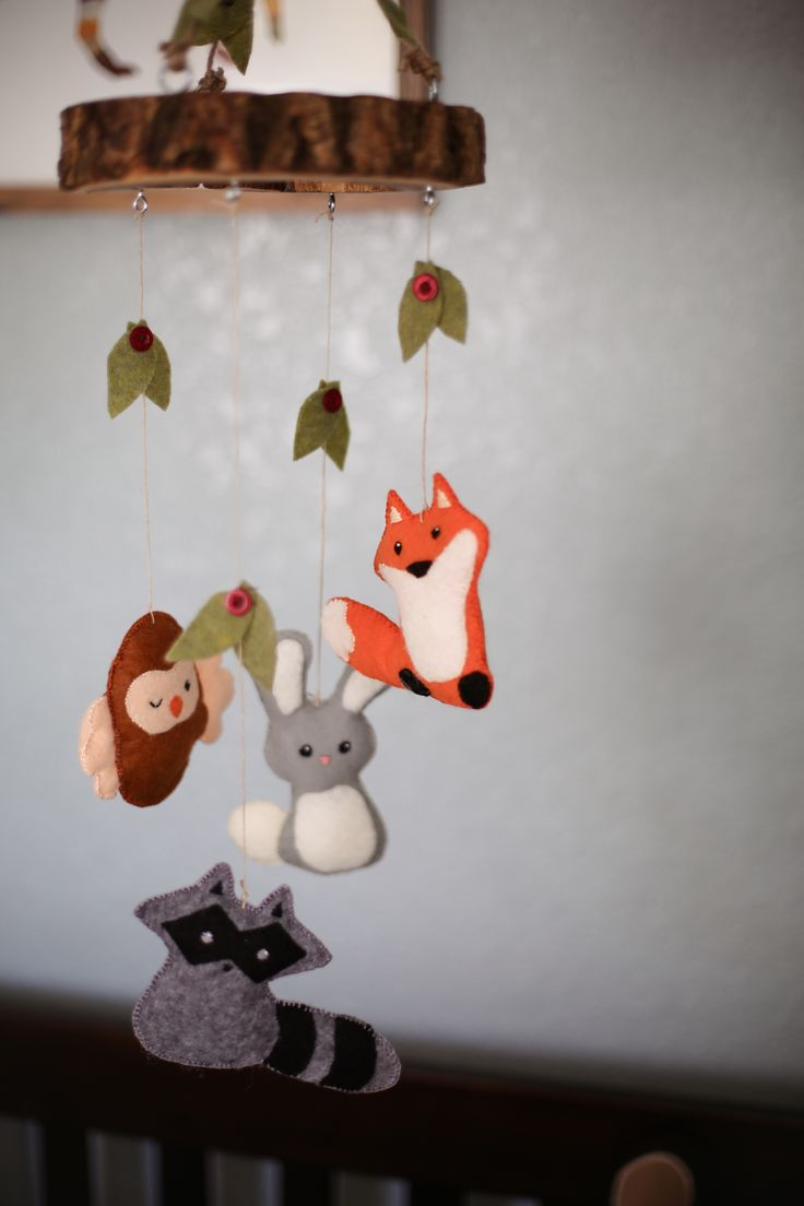 incredibly-cute-and-dreamy-nursery-mobiles-2