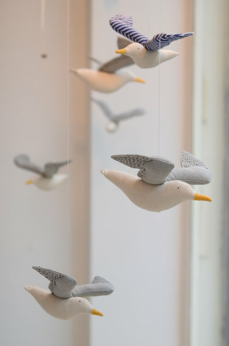 incredibly-cute-and-dreamy-nursery-mobiles-23