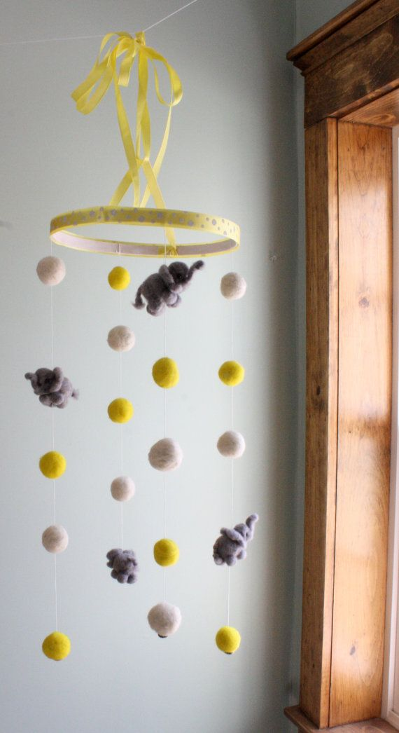 incredibly-cute-and-dreamy-nursery-mobiles-25