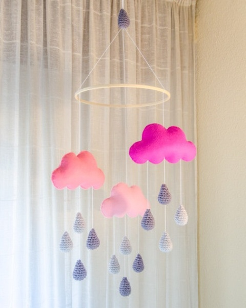 incredibly-cute-and-dreamy-nursery-mobiles-27