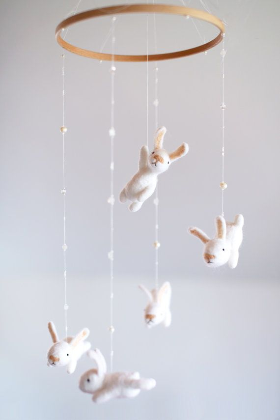 incredibly-cute-and-dreamy-nursery-mobiles-28