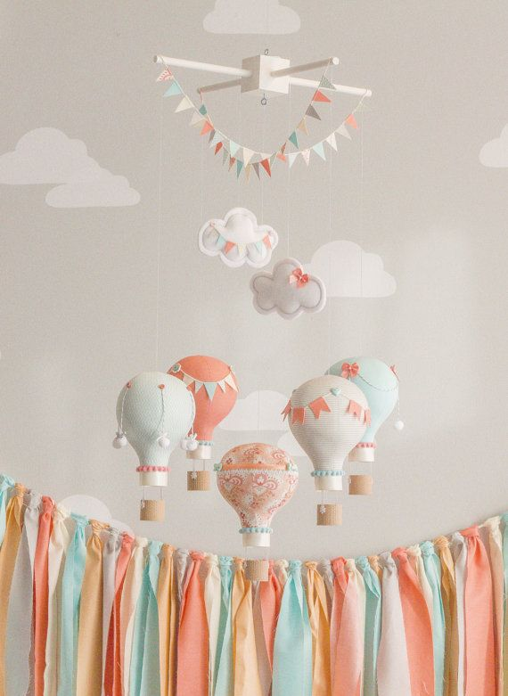 incredibly-cute-and-dreamy-nursery-mobiles-4