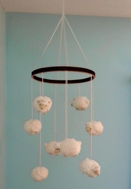 incredibly-cute-and-dreamy-nursery-mobiles-5