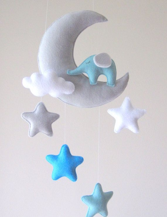incredibly-cute-and-dreamy-nursery-mobiles-6