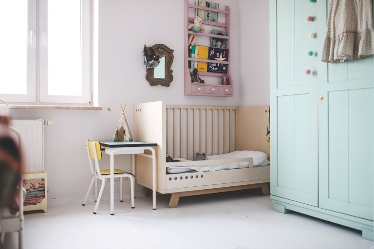 lovely-and-cute-shared-room-for-three-girls-7