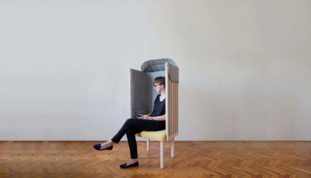 offline-chair-to-forget-about-your-phone-for-a-while-2