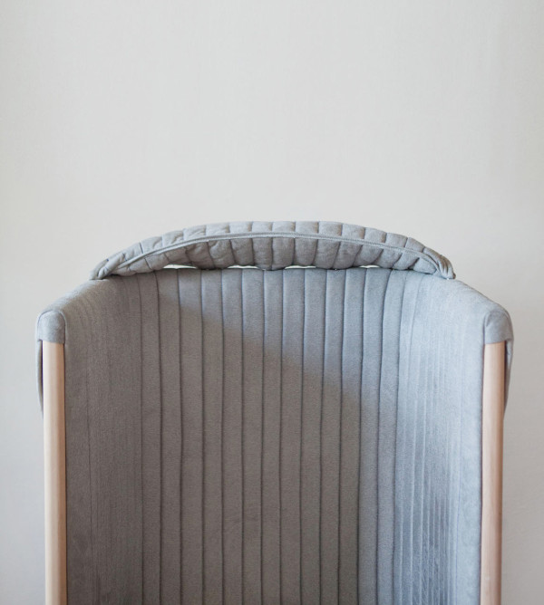 offline-chair-to-forget-about-your-phone-for-a-while-7