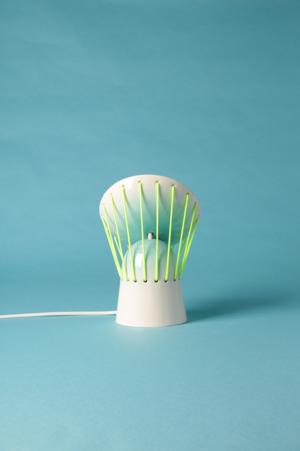 playful-elastic-lights-from-ceramics-and-bold-elastic-cords-2