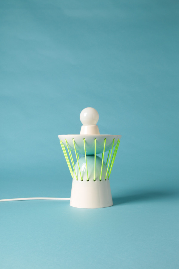 playful-elastic-lights-from-ceramics-and-bold-elastic-cords-4