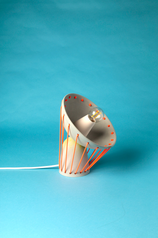 playful-elastic-lights-from-ceramics-and-bold-elastic-cords-6