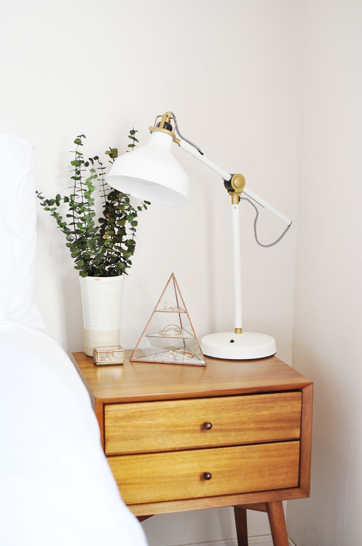 ways-to-incorporate-ikea-ranarp-lamp-into-home-decor-2