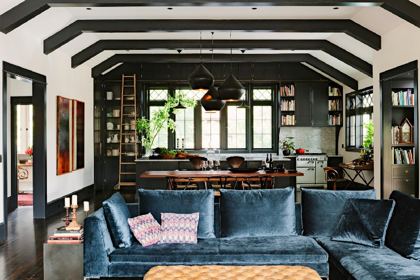 adorable-library-house-with-bookshelves-in-every-room-3