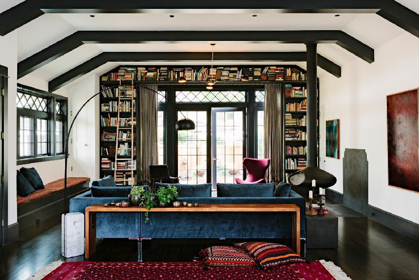 adorable-library-house-with-bookshelves-in-every-room-5