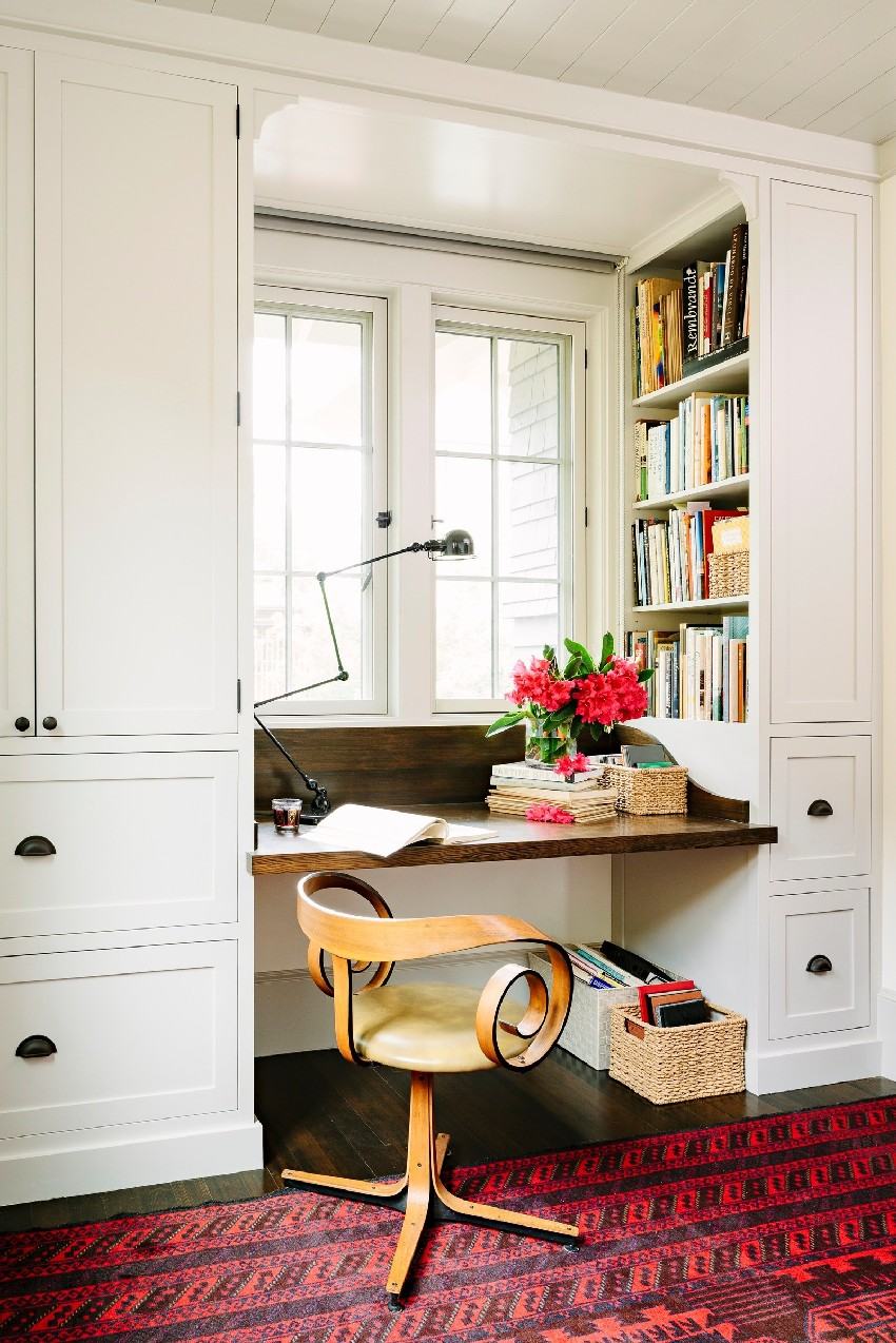 adorable-library-house-with-bookshelves-in-every-room-6